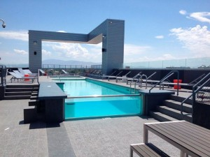 Rooftop-pool-with-glass-edge-built-by-Cimarron-Circleresized-copy