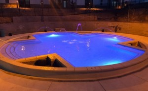 Lots-at-Flagstaff-Round-pool-with-colored-lighting